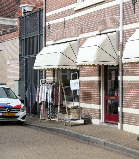 Damesmodezaak overvallen in Lochem: politie maakt jacht op de dader