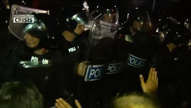 Slovenen zetten traangas in aan grens