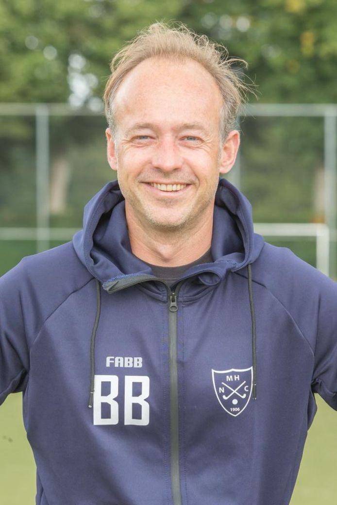 Coach Bas Boogaard van NMHC.