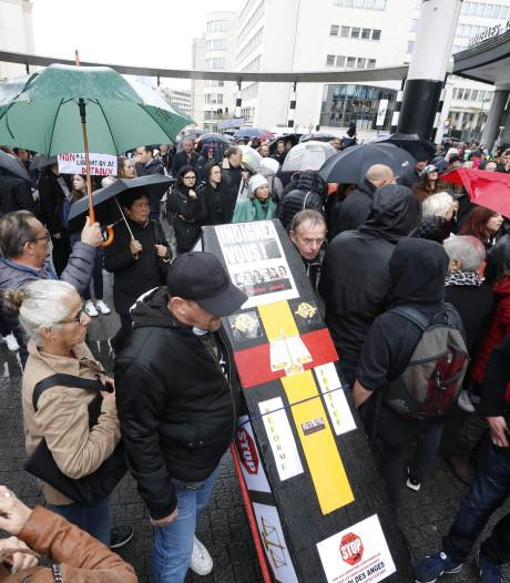 Honderden demonstranten tegen vrijlating handlanger Marc Dutroux