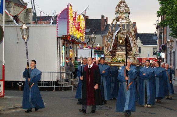 Archiefbeeld Kaarsjesprocessie 2010.