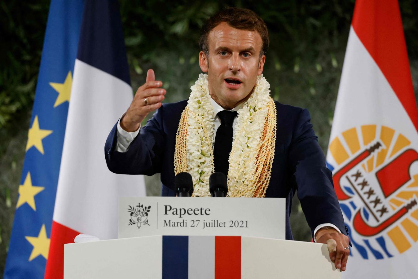 """""""J'assume et je veux la vérité et la transparence avec vous"""", a déclaré Emmanuel Macron dans un discours devant les responsables polynésiens, en affirmant que les victimes de ces essais devaient être mieux indemnisées."""