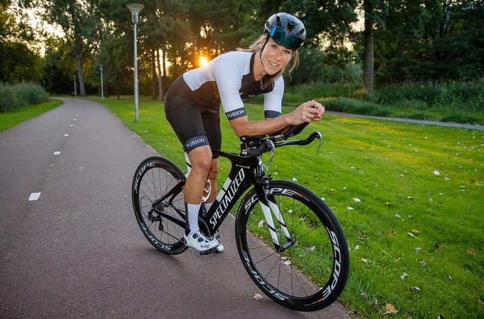 Triatlete Claudia Striekwold uit Eindhoven trainde met Annemiek van Vleuten.