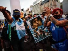 """""""Il n'est pas mort, ils l'ont tué"""": des fans de Diego Maradona manifestent en Argentine"""