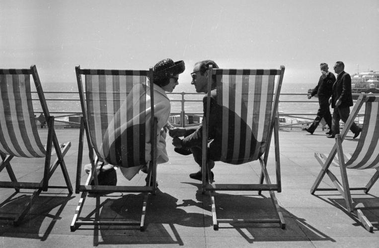 Alain de Botton: 'Als je iemand ziet als de volmaakte geliefde, wordt het frustrerend als je erachter komt dat die ook maar een mens is.' Beeld Getty Images