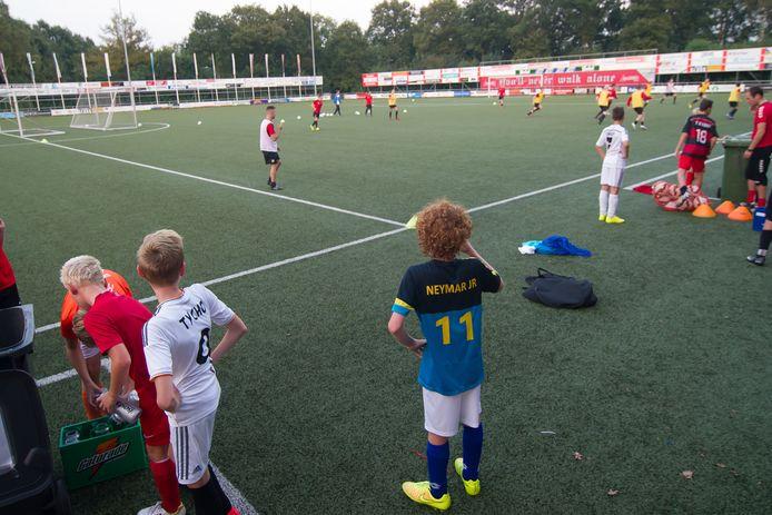 Van jonge talenten tot spelers van het eerste, er is (bijna) altijd wat te doen op het veld van Excelsior'31.