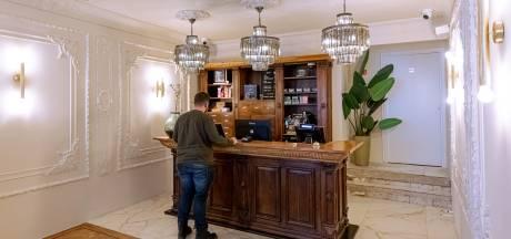 Parkeerbeleid is coffeeshop Zwolle een doorn in het oog: 'Eén lijn trekken'