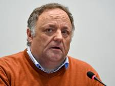 Ondergedoken Marc Van Ranst tart aanhangers Jürgen Conings in chatgroep
