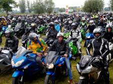 Nol Bikker uit Noordeloos verzamelt 780 Kawasaki's en breekt wereldrecord