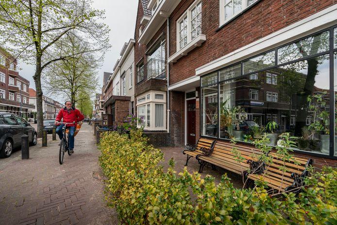 Van Noremborghstraat 112-114, voormalig sigarenmagazijn De Meester.