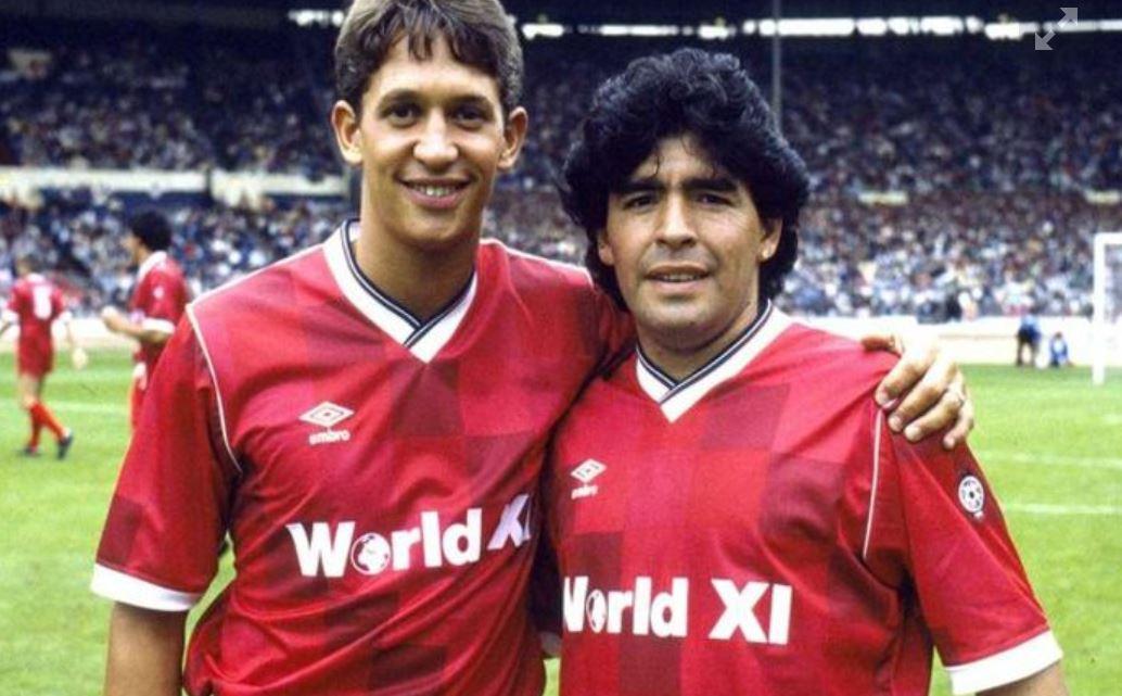 Lineker met Maradona op Wembley tijdens de bewuste match voor het goede doel in 1987.