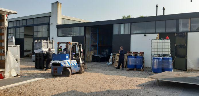 De ontmanteling van het drugslab in Zwingelspaan.