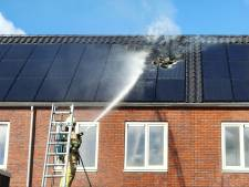 Een paar weken na de oplevering al brand op dak van nieuwbouwhuizen in Eemnes