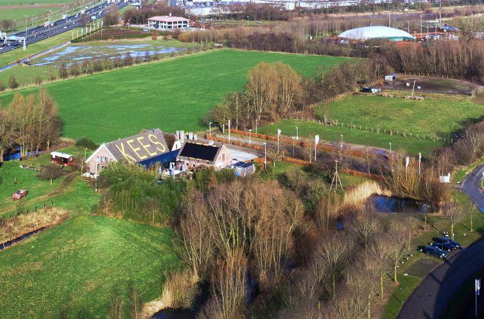 De Hof van Wulven is nu in beeld voor mogelijk een atletiekbaan en de voetbalvelden van sv Houten.
