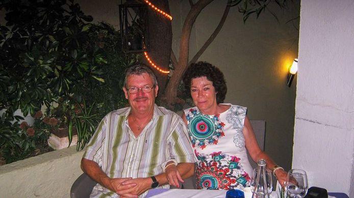 Harry en Karla Mijnhout (beiden 65) vertrokken in 2006 vanuit Herveld met de camper naar Spanje. In La Nucia verhuren ze appartementen. Ze vertellen over de corona-situatie.