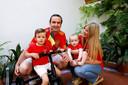 Gretel met haar man Arturo (37) en zoontjes Victor (1) en Lucas (3).