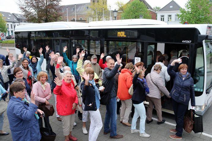 40 actievoerders pakken de bus naar de wekelijkse markt in Mol.