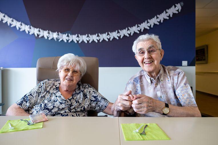 Frans Ceulemans en Hilda Cools vieren hun 65ste verjaardag in rusthuis Paradijs.