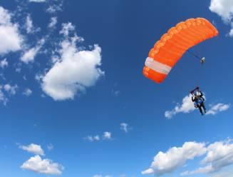 Man (59) sterft bij parachutesprong in Spa