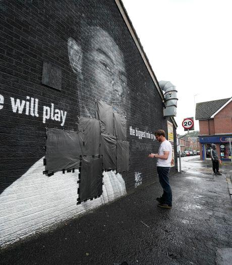 Vandalen bekladden muurschildering van Rashford:  buurtbewoners maken er al snel eerbetoon van