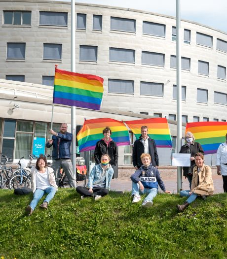 Martijn put hoop uit QUEER! in het gemeentehuis van Zierikzee; 'Durf, doe en leef'