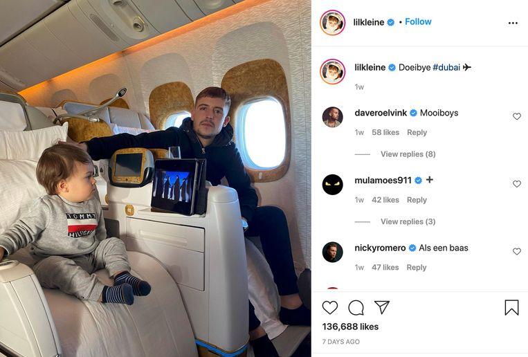Lil' Kleine (rechts) in het vliegtuig. Beeld Instagram