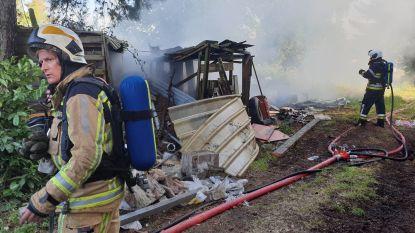"""Leegstaande chalet brandt volledig uit: """"Twee brandhaarden maken situatie verdacht"""""""