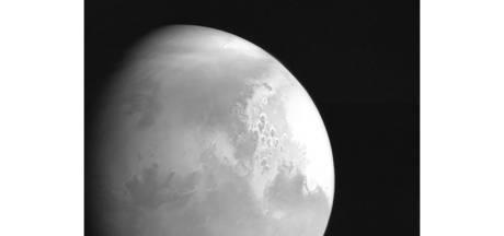 """La sonde chinoise """"Tianwen-1"""" se place en orbite autour de Mars"""