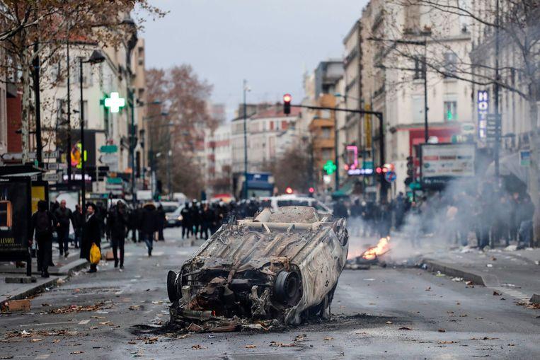 De Parijse banlieue Aubervilliers kent al langer dan vandaag problemen, getuige hiervan het uit de hand gelopen studentenprotest in 2018. Volgens auteur Didier Daeninckx heerst hier dan ook cliëntelisme.  Beeld AFP