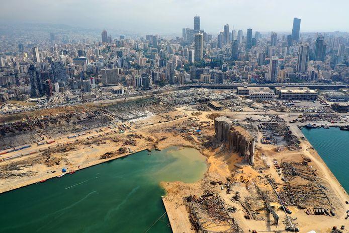 De explosie in Beiroet heeft volgens experts een krater van 43 meter diep veroorzaakt.