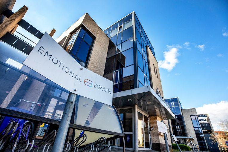 Het pand in Almere waar het bedrijf  Emotional Brain is gevestigd. Beeld  Foto Raymond Rutting / de Volkskrant