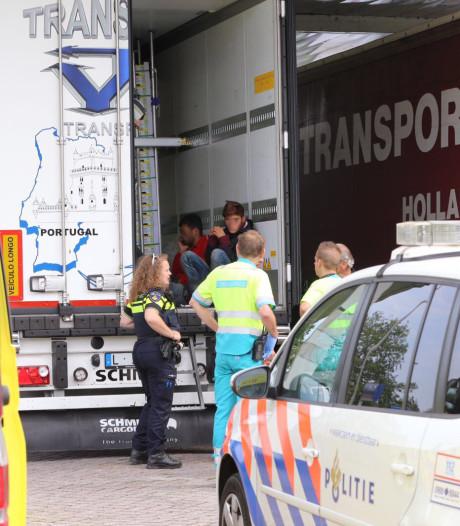 Problemen 'Engeland-route' door Brabant nemen toe: vluchtelingen gevonden in trucks