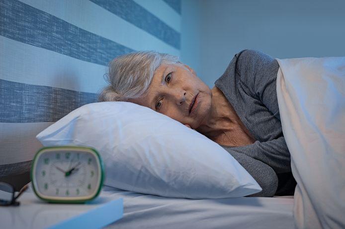 Slechte slapers zijn mensen die zeker drie keer per week ontevreden zijn over hun slaap. Denk aan: moeilijk in slaap komen of 's nachts lang wakker liggen.
