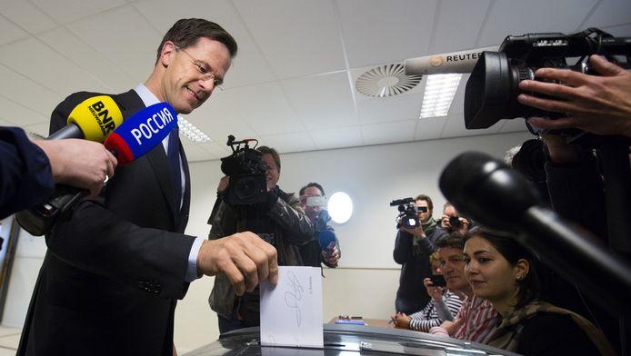Rutte stemt op het referendum