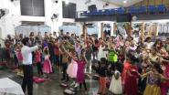 Minder dan uur voor aanslag op kerk: alleen maar lachende en zingende kinderen