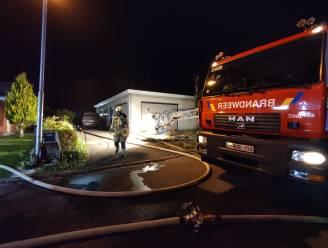 Brand vernielt garage: woning gevrijwaard