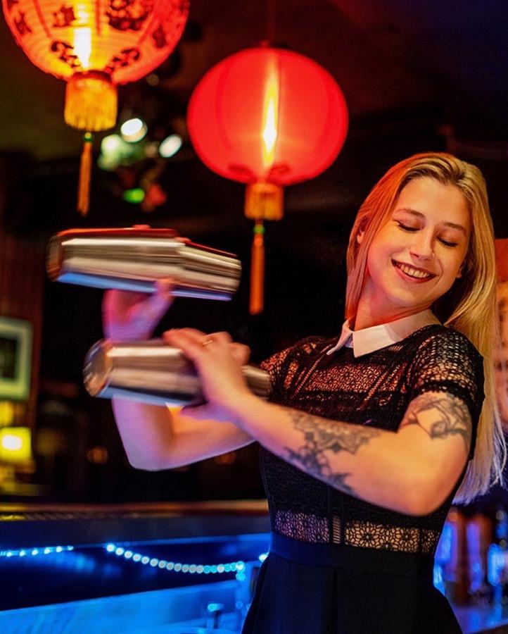Bartender Noa Ongevalle