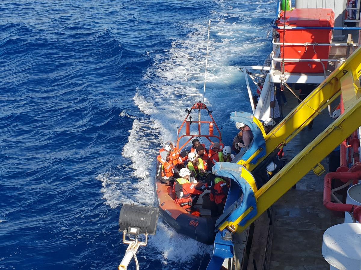 De vluchtelingen werden op 22 december opgepikt voor de Libische kust