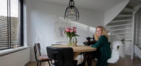 Hermien kan in haar huis al haar creativiteit kwijt: 'Volgende week een ander verfje'
