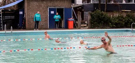 Zwembaden hoeven geen huur te betalen om tekort op te vangen