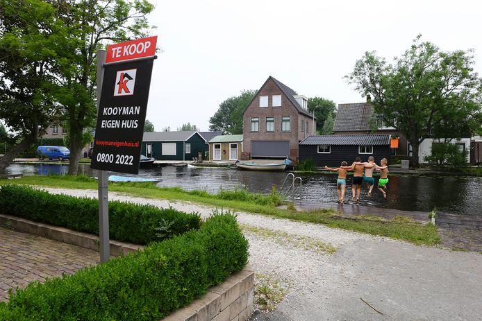 De huizen die te koop staan in Ottoland zijn onbetaalbaar voor starters, stelt de klankbordgroep in het dorp. Het gemiddelde prijskaartje is bijna acht ton.