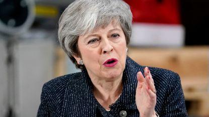 """May probeert Brussel en brexiteers de arm om te wringen: """"Nog één extra duwtje"""""""