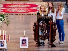 Emotioneel Hilversum herdenkt: 'Hun lege huis voelt nu koel'