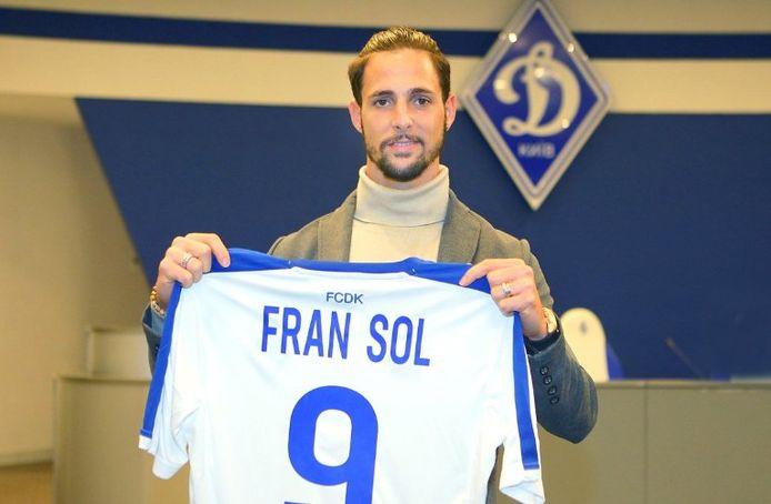 Fran Sol tijdens zijn presentatie.
