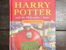 Des sœurs découvrent que leur exemplaire du premier livre d'Harry Potter vaut une petite fortune