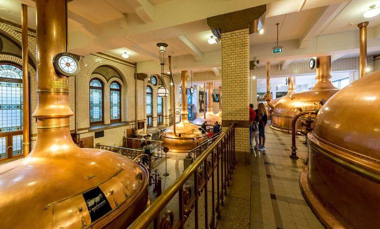 De oude bierketels in de Heineken Experience in Amsterdam. Beeld anp