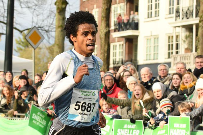 De Zweed Amanuel Gergis won de  acht kilometer in Apeldoorn.