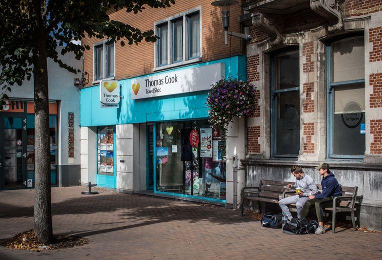 Een Thomas Cook-filiaal in Deinze. Beeld Bas Bogaerts
