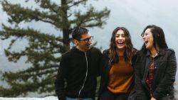 Steeds meer millennials hebben een relatie met meerdere mensen tegelijkertijd
