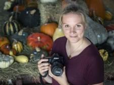 Fotografe Loes uit Losser poetst imago boerenbedrijven op